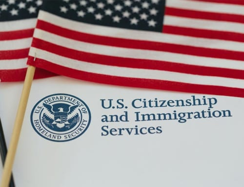 USCIS to Replace Sticker That Extends Validity of Green Cards